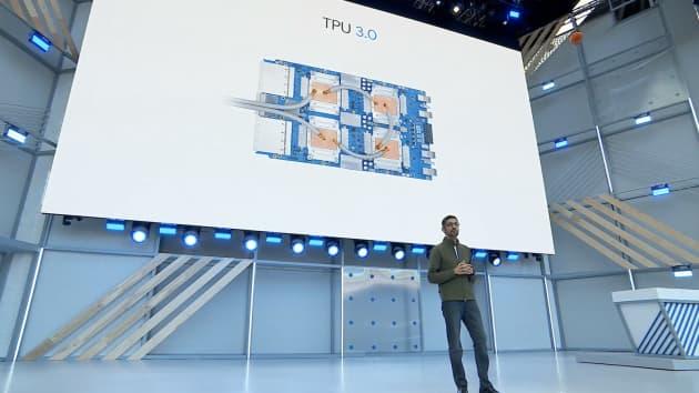 Big Tech muốn phát triển chip bán dẫn riêng. Ảnh: YouTube screenshot.