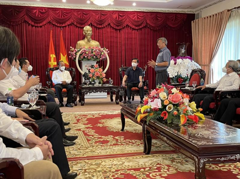 Ông Cao Tiến Dũng, Phó Bí thư Tỉnh ủy, Chủ tịch Ủy ban nhân dân tỉnh Đồng Nai phát biểu tại buổi trao tặng.