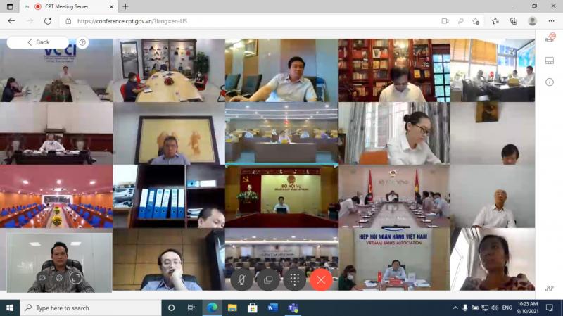Phiên họp toàn thể củaHội đồng Tư vấn cải cách thủ tục hành chính của Thủ tướng Chính phủ diễn ra sáng 10/9 theo hình thức trực tuyến. Ảnh: DNT.