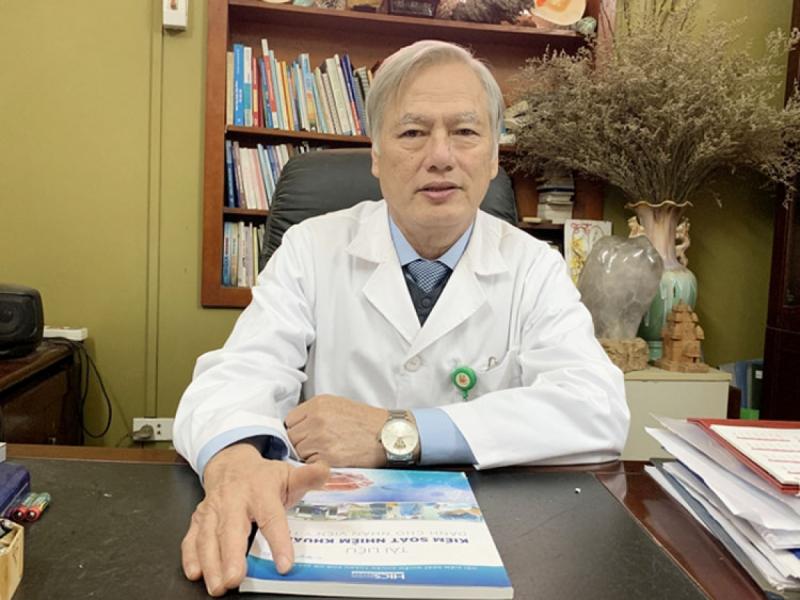 BSCKII Nguyễn Hồng Hà, Phó Chủ tịch Hội Truyền nhiễm Việt Nam.