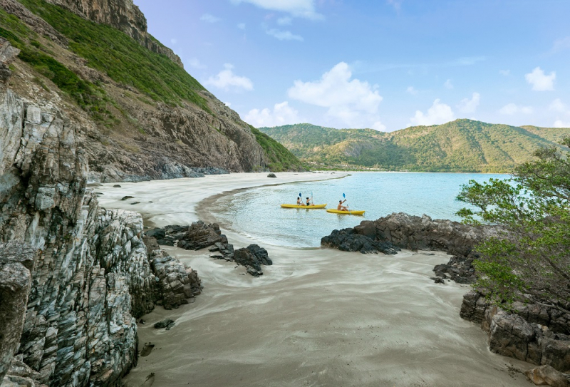 Du khách có thể tận hưởng các hoạt động phong phú từ thể thao dưới nước, du thuyền ngắm hoàng hôn tại Six Senses Côn Đảo