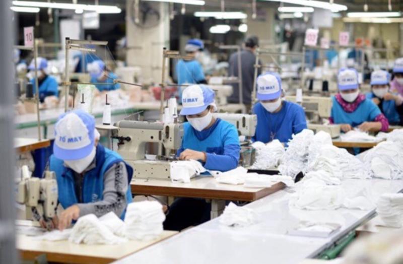 Nhiều doanh nghiệp đang chuẩn bị phương án sản xuất an toàn để có thể phục hồi sớm nhất. Ảnh:TL.