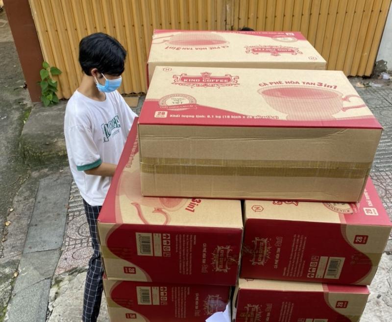 TNI King Coffee tặng 240 thùng hàng cà phê, nước suối cùng 1.000 khẩu trang N95 cho Bệnh viện Thống Nhất, Bệnh viện Phạm Ngọc Thạch