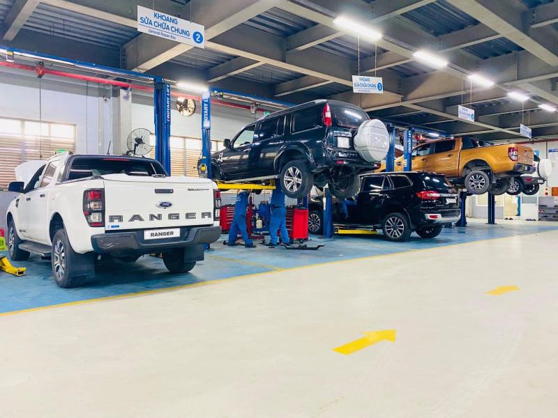 Chương trình bảo dưỡng lưu động (Mobile Service) cũng được thực hiện hàng tháng bởi các đại lý trên cả nước, giúp khách hàng ở các địa phương chưa có đại lý chính hãng của Ford cũng có thể yên tâm sử dụng sản phẩm, dịch vụ của Ford Việt Nam. Ảnh: TL.
