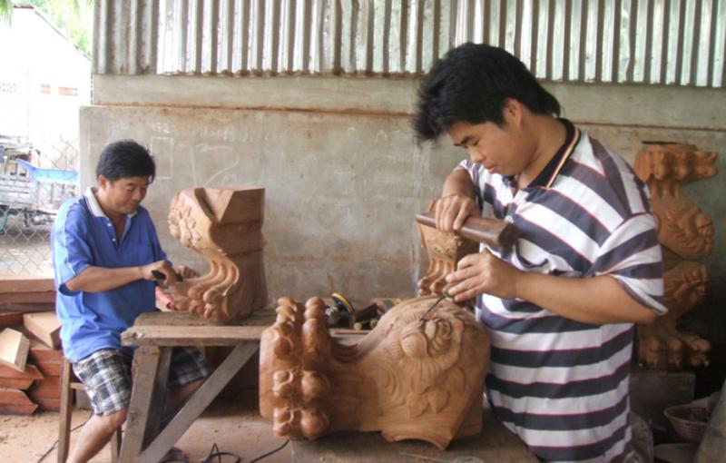 Làng nghề gỗ truyền thống đang lao đao vì dịch Covid-19. Ảnh: T.L