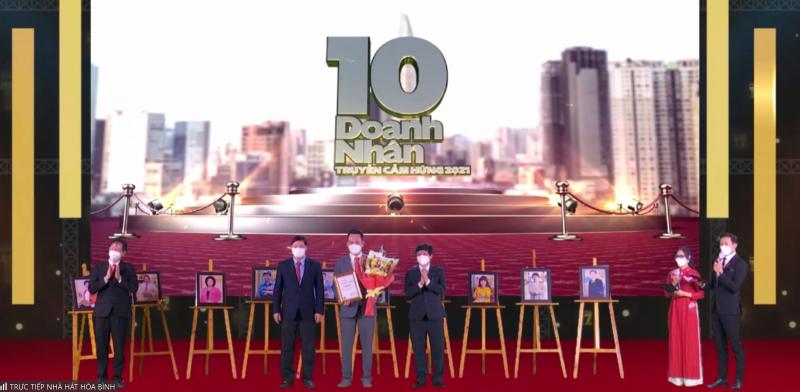Lễ vinh danh 10 doanh nhân truyền cảm hứng năm 2021.