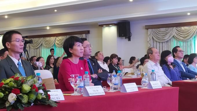 Bà Nguyễn Hoàng Anh - Viện trưởng Viện Nghiên cứu và Ứng dụng Sức khỏe Bách Niên Trường Thọ. Ảnh:Tiến Dũng.